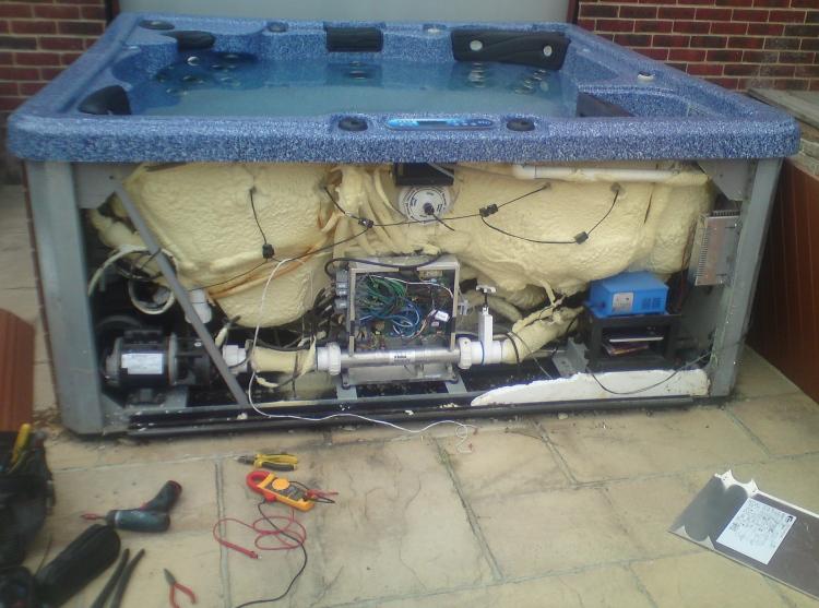 Hot Tub Repair Service : Calgary spa repair service